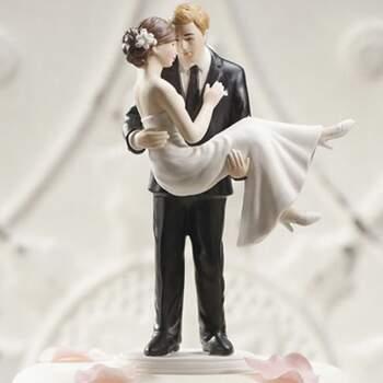 Cake Topper Mariée Dans Les Bras Du Marié - The Wedding Shop !