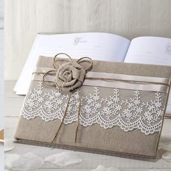 Livre D'or En Jute Avec Fleurs Et Dentelles - The Wedding Shop !
