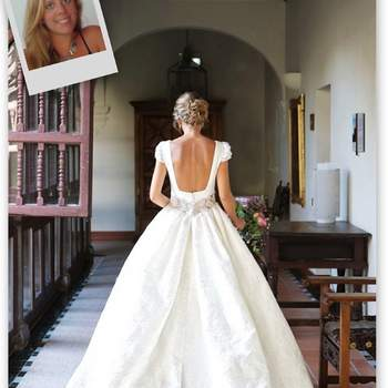 This would be my perfect wedding dress. A design with a discreet neckline, leaving my back on show. What I like most is a cut where volume starts at the waistline, a princess style with a jacquard fabric and a long train. It's my ideal dress, and the firm that I most like that reflects my style perfectly is Navascués. I'm passionate about their designs and this is one of them!