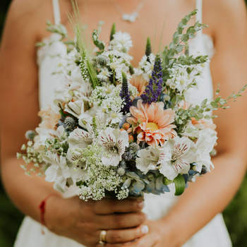 Vota por tu ramo de novia favorito. ¿Cuál de todos elegirías para dar el sí?