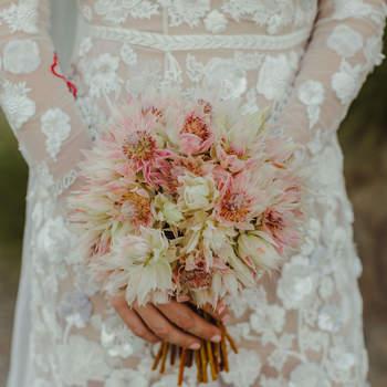 Bouquet de mariée fleurs roses Hannah Costello