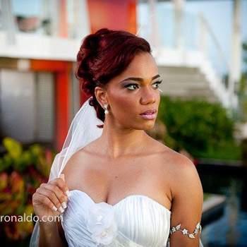 Penteado de noiva com cabelo preso   Credits: Sergio Ronaldo