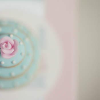 """O 1º Funshop Branco prata decorreu em Fevereiro de 2012, no Pimms, no Porto. O 2º já está agendado para 30 de Setembro e promete passar da teoria à prática... tudo porque 'casar pode ser divertido'. <a href=""""https://www.zankyou.pt/p/funshop-brancoprata-porque-casar-pode-ser-divertido-24459"""">Clique e saiba mais sobre o 2º Funshop Brancoprata.</a>"""
