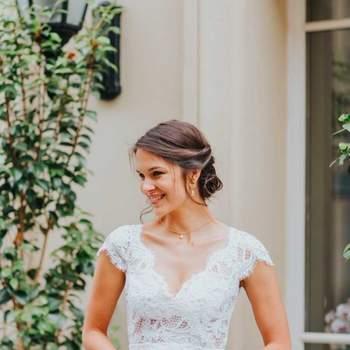 Robe de mariée simple modèle Anne - Crédit photo: Elsa Gary