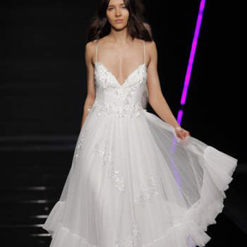 Elisabetta Polignano. Credits: Barcelona Bridal Fashion Week