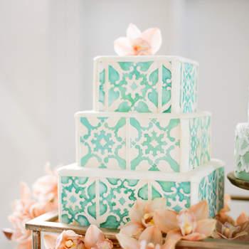 Inspiração para bolos de casamento originais que são verdadeiras obras de arte | Créditos: Jose Villa Photography