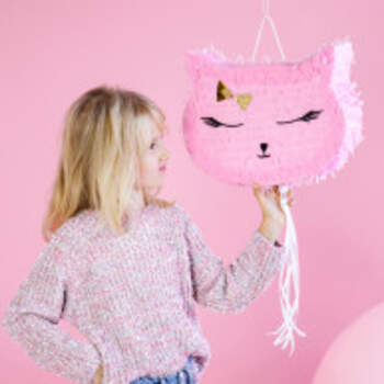 Piñata Chat - The Wedding Shop !