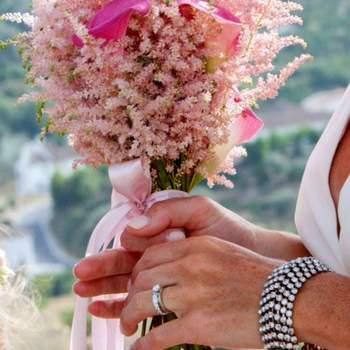 Credits: Tiesto Artesanía Floral