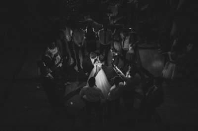 Poznali się w przedszkolu, a oto zdjęcia z ich ślubu! Zapraszamy!