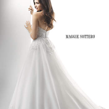 """<a href=""""http://www.maggiesottero.com/dress.aspx?style=4MD848"""" target=""""_blank"""">Maggie Sottero Platinum 2015</a>"""