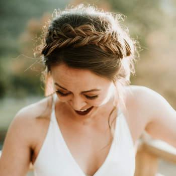 Penteado para noiva com cabelo preso e trança   Foto: Eileen Meny Photography
