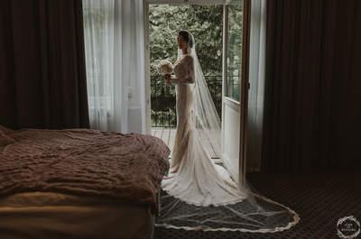Plenerowy ślub Anny i Petera w hotelu Dębowym. Zobacz obłędną suknię Panny Młodej!