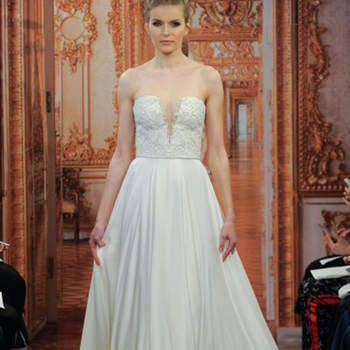 Kleid von Theia, Credits: New York Bridal Week