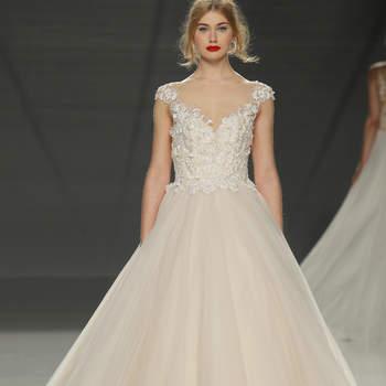 Demetrios. Credits: Barcelona Bridal Fashion Week.