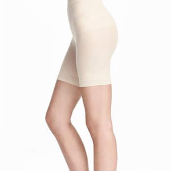 Faja pantalón reductora sin costuras. Credits: H&M