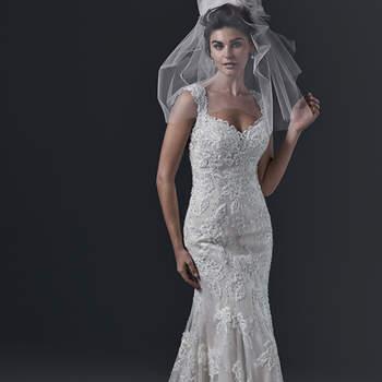 """Romantisme et dentelle pour cette robe brodée de perles et de cristaux Swarovski. Le décolleté en coeur est  ultra féminin.   <a href=""""http://www.sotteroandmidgley.com/dress.aspx?style=5SC630"""" target=""""_blank"""">Sottero &amp; Midgley</a>"""