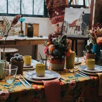 Photo : Margaux Pastor - Papeterie : Atelier Eksento - Vaisselle : Boutique nous - Figurines : Boutique Esquipulas