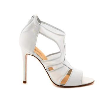 Sapato de noiva branco. Delphine Manivet.