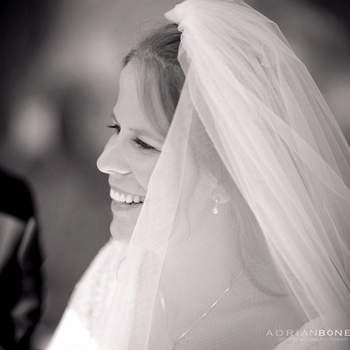 Debes tener presente que para elegir el velo ya debes contar con el vestido de novia.