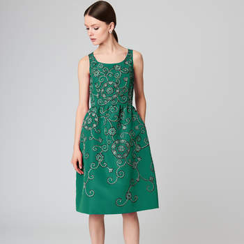 Embroidered silk-faille cocktail dress. Credits: Oscar de la Renta