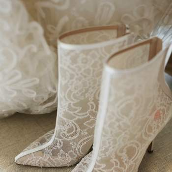 Oscar de la Renta é referência no mundo bridal! Confira estes espetaculares vestidos de noiva, penteados e acessórios apresentados no New York Bridal Week 2013.