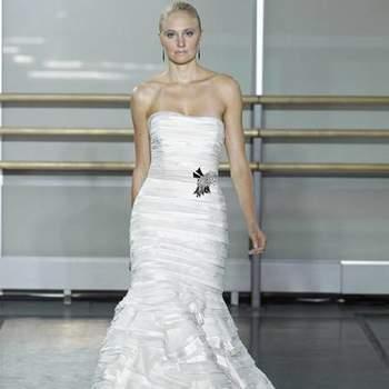 Rivini nos mostra a linda coleção Outono 2013 com os mais diversos modelos, para noivas de todos os estilos! Inspire-se pata encontrar seu vestido de noiva perfeito.
