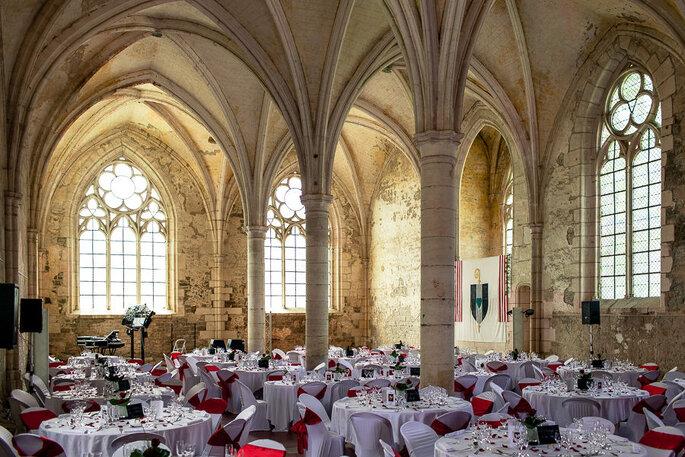 Une réception de mariage dans une abbaye : un cadre exceptionnel