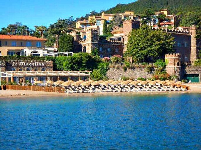 Le Magellan - plage - sud -paca - mariage à la plage - mer méditerranée - couple