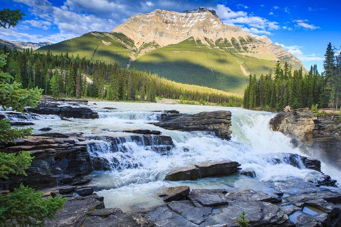 Luna de miel en Canadá (Alberta) - Shutterstock