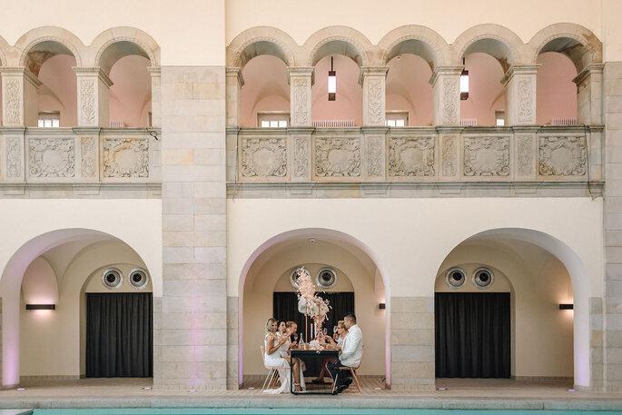 Pool Love Inspirationsshooting im Oderberger Stadtbad Location