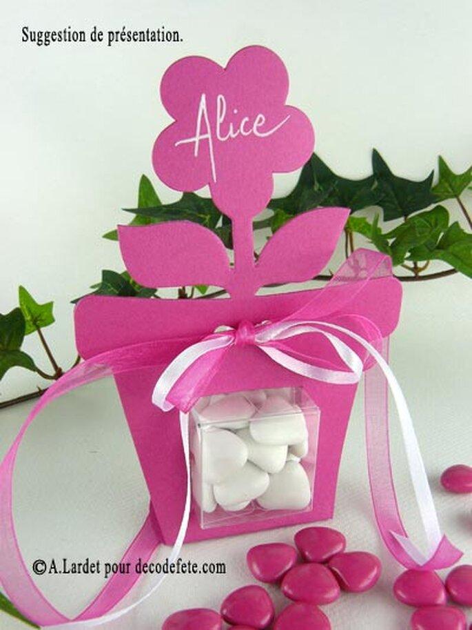 Personnalisez vos contenants à dragées - Photo : decodefete.com
