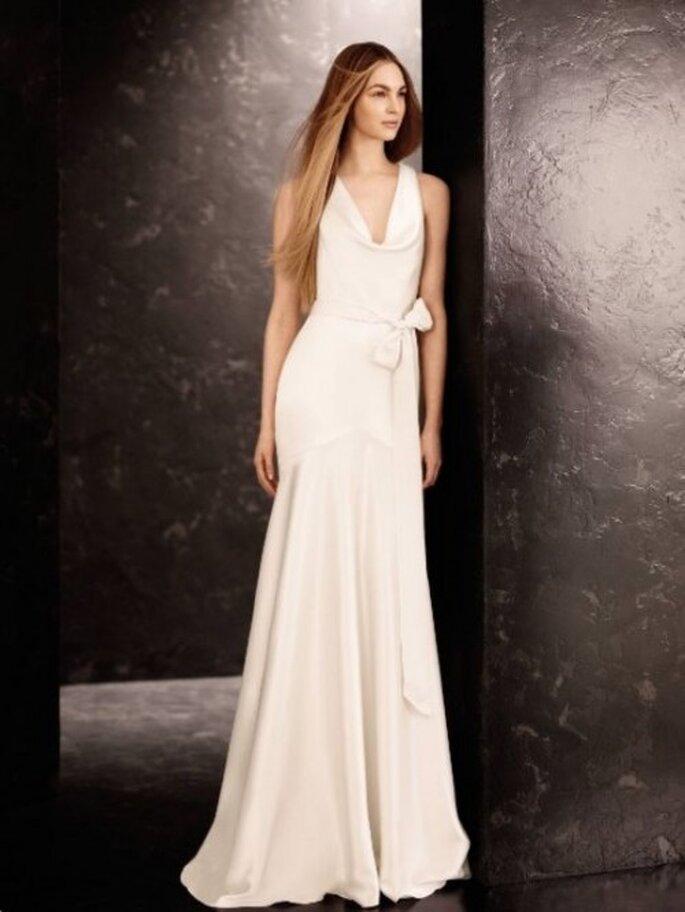 Vestido de novia sencillo y elegante de Vera Wang - Foto David's Bridal
