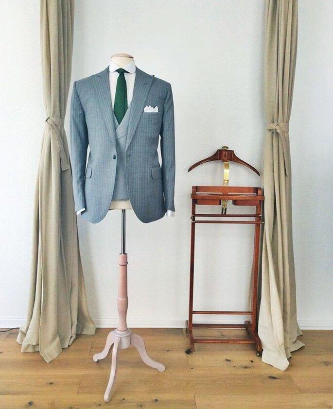 Costume de marié gris confectionné par Les Francs-Tireurs