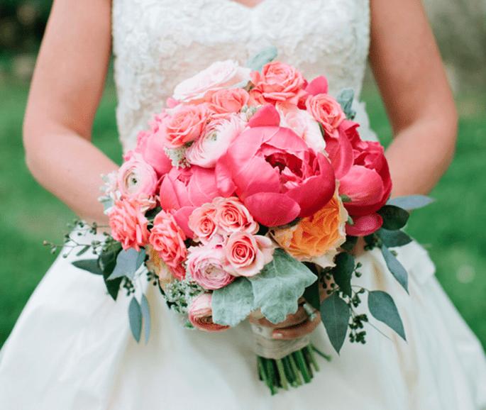 Różowy bukiet ślubny peonie