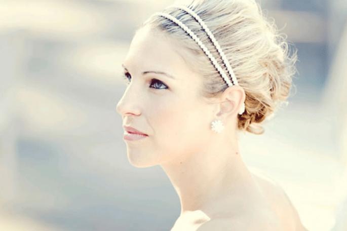 Peinado de chongo trenzado DIY para novia - Foto Mish Mucho