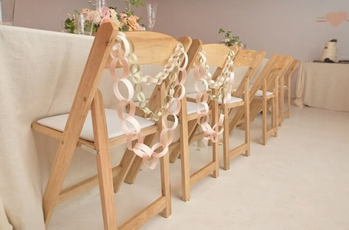 Paper decorations for your wedding - Photo: Charleystar Photo