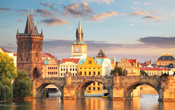 Praga. Foto via Shutterstock: TTstudio