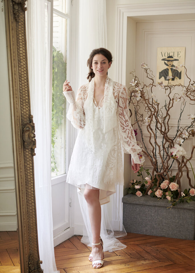Robe de mariée courte avec un boléro