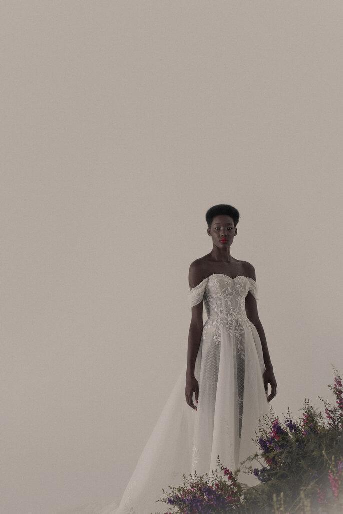 vestido de noiva romântico com transparências