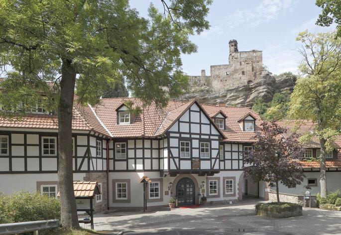 Hochzeitslocation Relais & Châteaux Hardenberg mit Burgruine in Niedersachsen
