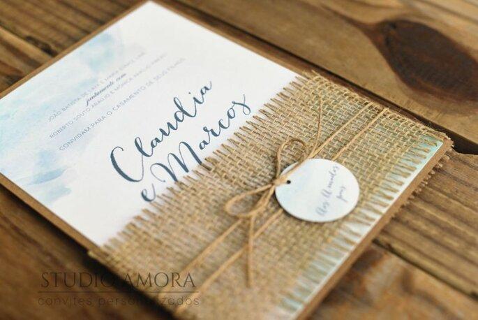 Convite de casamento em aquarela com detalhe em juta