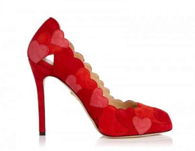 Zapatos de novia 2014 con detalles de color rojo intenso - Foto Charlotte Olympia