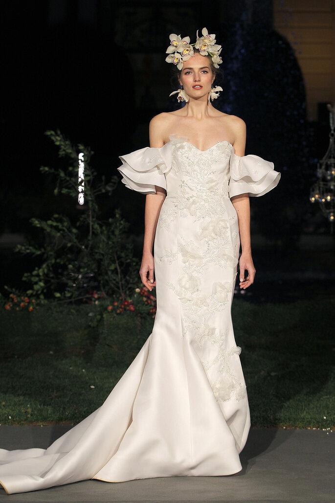 Vestido de novia escote corazón y mangas con volantes