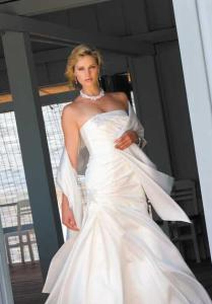 Marylise 2009 - Teresa, vestido largo corte princesa escote recto palabra de honor