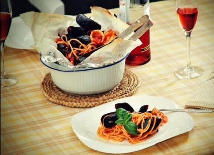 Spaghetti al horno en papel de aluminio. Foto: youtube.com