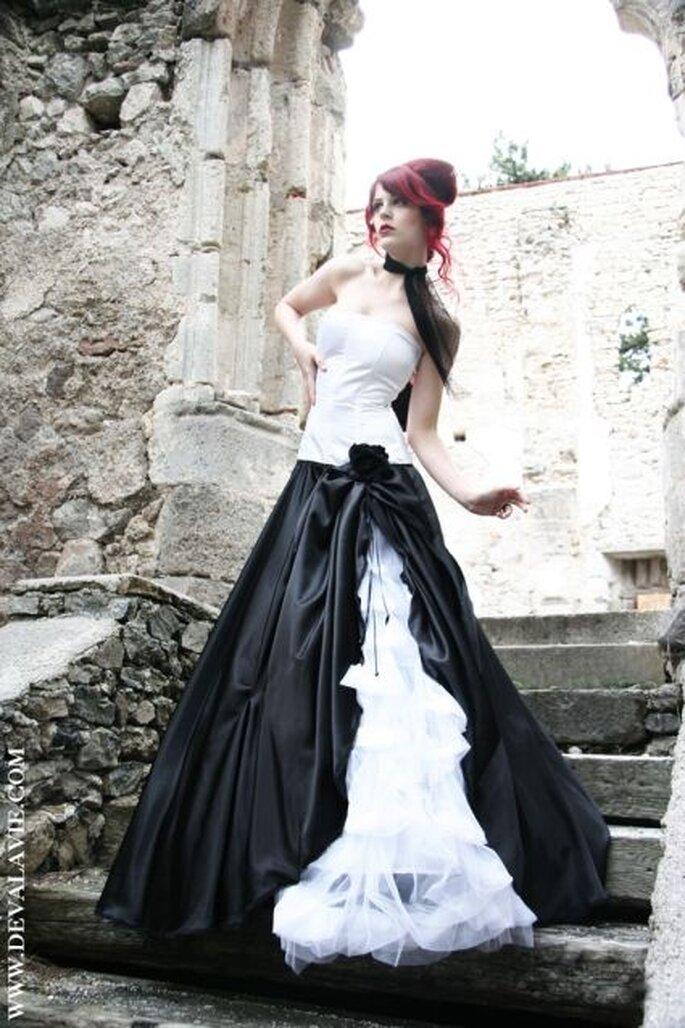 Vestido de novia por Deva la Vie en MARRYJim