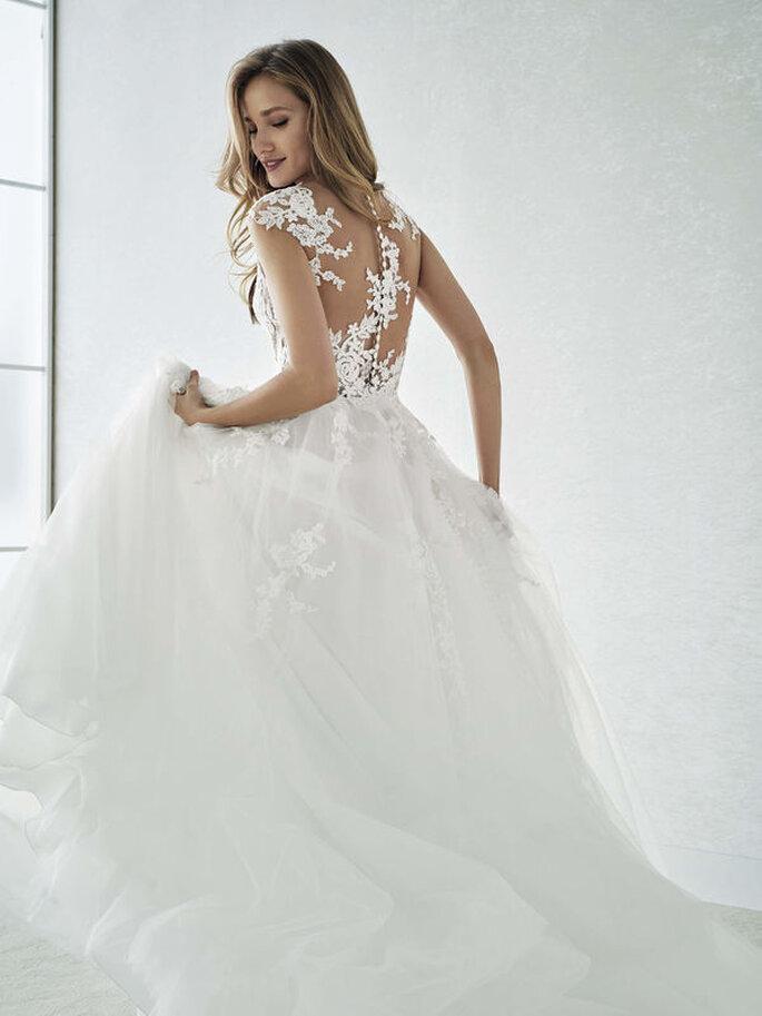Vestido de noiva com transparência de renda