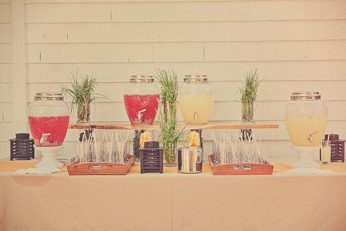 Les meilleures idées pour les stands boissons de votre mariage - Photo: Sweet Little Photographs