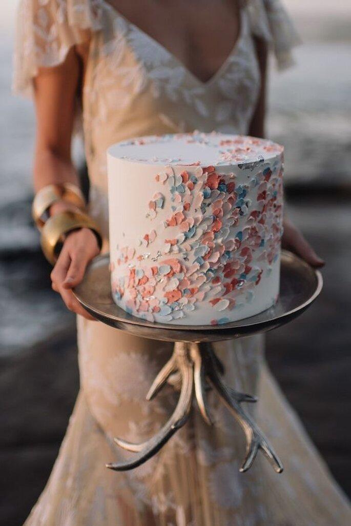 Hochzeitstorte einstöckig mit Ölfarben