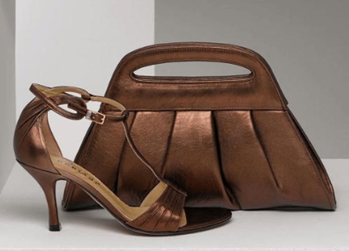 Sandalo con tacco e pochette abbinabile